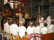 107-0725x_img ...die große Feier in der Kirche...