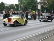 "119-1958 IMG - Links: ""MG TD Midget Roadster"" Bj1952 Rechts: ""Mercedes 170 D"" Bj1952"