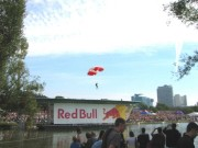 114-1459 IMG ... Eröffnung mit Fallschirm-Zielspringen
