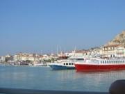 113-1321 IMG...Ausflugsschiffe im Hafen...